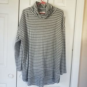 Liz Claiborne Weekend Mock Long Sleeve Tunic Top